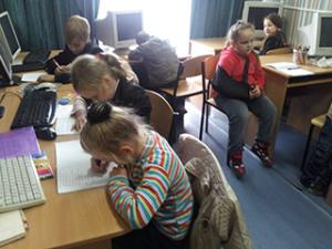 заняття-англійською-мовою-у-центрі-проф-орієнтації-дітей-інвалідів Киев